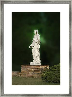 Statue 07 Framed Print by Thomas Woolworth