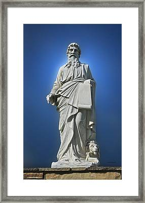 Statue 23 Framed Print by Thomas Woolworth