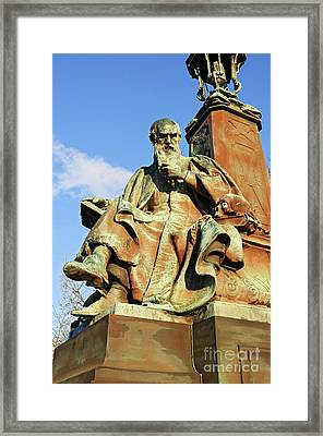 Statue  Kelvingrove Park Glasgow Framed Print by David Davies