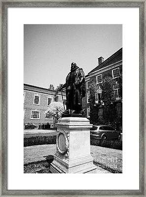 statue of francis bacon in front of grays inn hall London England UK Framed Print by Joe Fox