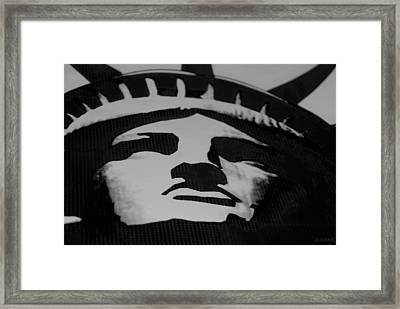 Statue Of Liberty In Black And White Framed Print by Rob Hans
