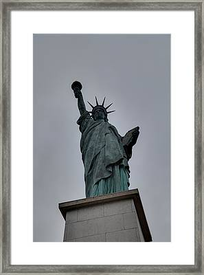Statue Of Liberty - Paris France - 01131 Framed Print