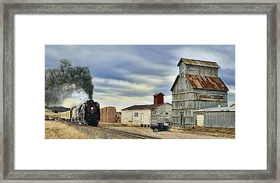 Steam In Castle Rock Framed Print