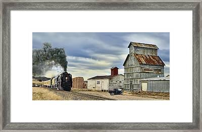 Steam In Castle Rock Framed Print by Ken Smith