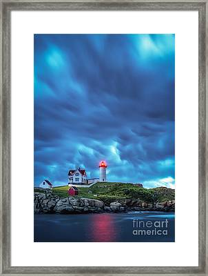 Storm Brewing Framed Print by Scott Thorp