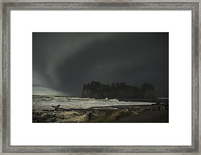 Storm Is Coming North West Wa Framed Print by Yulia Kazansky