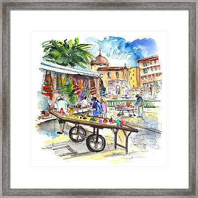 Street Merchants In Ortigia 02 Framed Print