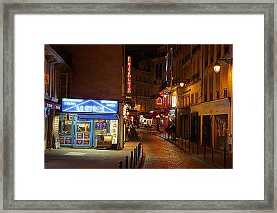Street Scenes - Paris France - 011325 Framed Print by DC Photographer