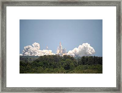 Framed Print featuring the photograph Sts-132, Space Shuttle Atlantis Launch by Science Source