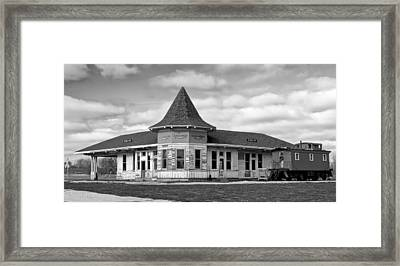 Framed Print featuring the photograph Sturtevant Old Hiawatha Depot In Hdr by Ricky L Jones