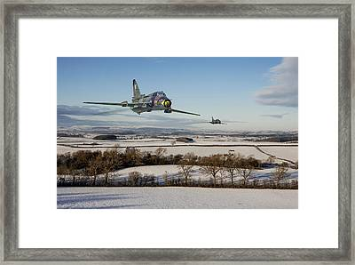 Su22 - Red Storm Framed Print by Pat Speirs