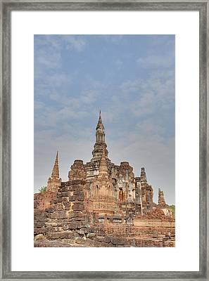 Sukhothai Historical Park - Sukhothai Thailand - 011315 Framed Print by DC Photographer