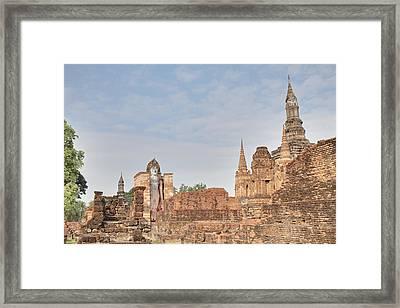 Sukhothai Historical Park - Sukhothai Thailand - 011316 Framed Print by DC Photographer