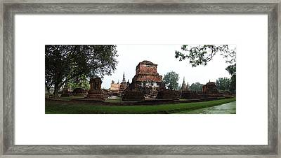 Sukhothai Historical Park - Sukhothai Thailand - 01132 Framed Print by DC Photographer