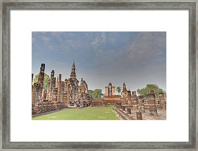 Sukhothai Historical Park - Sukhothai Thailand - 011329 Framed Print by DC Photographer