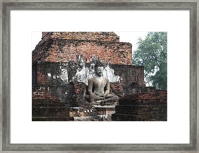 Sukhothai Historical Park - Sukhothai Thailand - 01133 Framed Print by DC Photographer