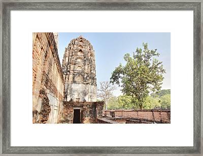 Sukhothai Historical Park - Sukhothai Thailand - 011354 Framed Print by DC Photographer