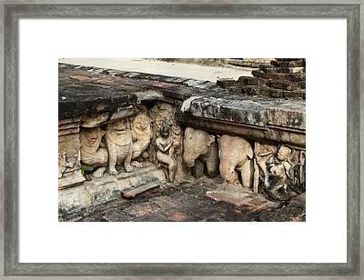 Sukhothai Historical Park - Sukhothai Thailand - 01139 Framed Print