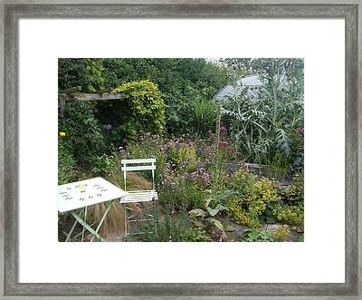 Summer Retreat Framed Print by Richard Reeve