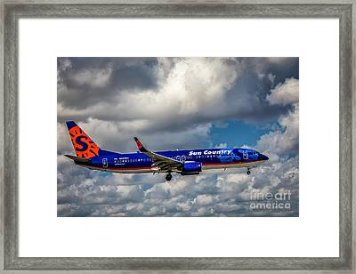 Sun Country Boeing 737 Ng Framed Print