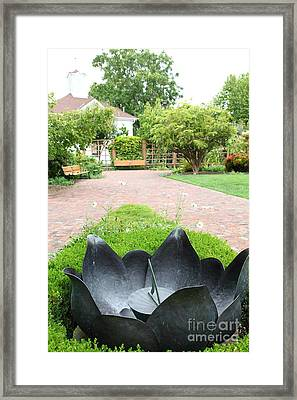 Sundial At The Historic Luther Burbank Home And Gardens Santa Rosa California 5d25911 Framed Print