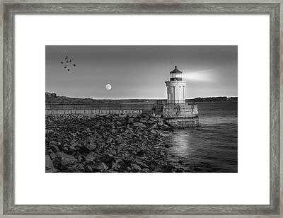 Sunrise At Bug Light Bw Framed Print by Susan Candelario