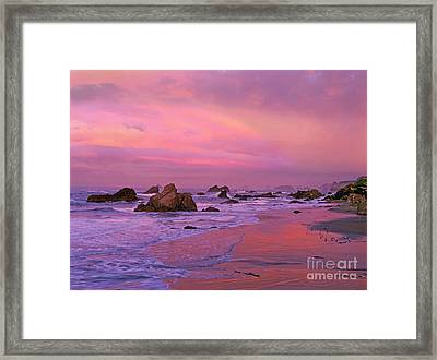 Framed Print featuring the photograph Sunrise On Sea Stacks Harris Sb Oregon by Dave Welling