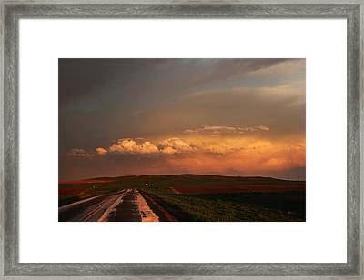 Framed Print featuring the photograph Sunset At Rockglen by Ryan Crouse