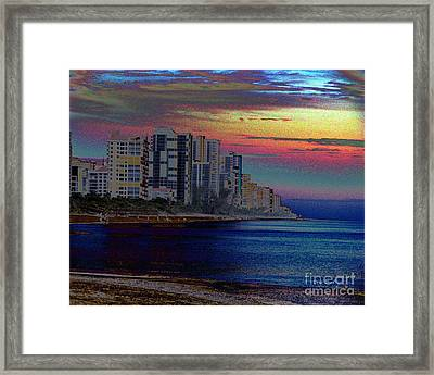Sunset At Seagate Beach  Framed Print by Doris Wood
