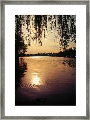 Sunset On The Thames Framed Print by John Topman