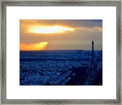 Sunset Over The Eiffel Tower Framed Print by Toby McGuire