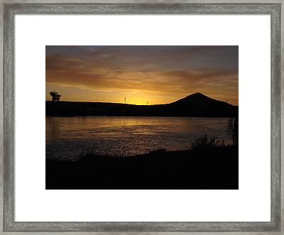 Sunset Over The Rio Grande Framed Print by Rosemary McKeown