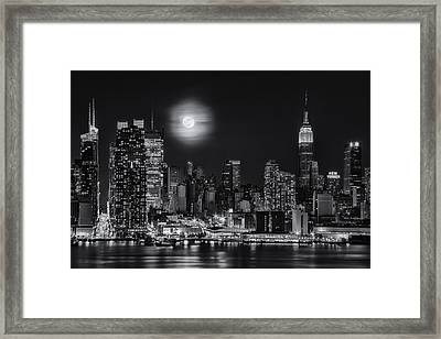 Super Moon Over Nyc Bw Framed Print by Susan Candelario