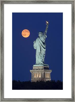 Supermoon Over New York City Framed Print by Susan Candelario