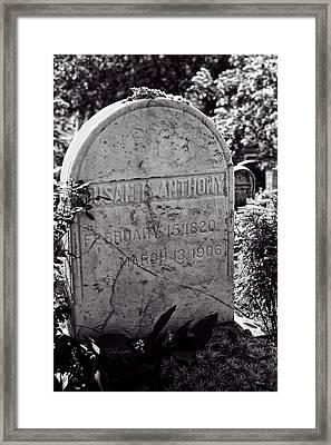 Susan B. Anthony Grave Marker Bw Framed Print
