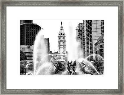 Swann Fountain Philadelphia Pa In Black And White Framed Print by Bill Cannon