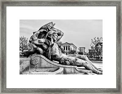 Swann Fountain - Running Dry In Black And White Framed Print by Bill Cannon