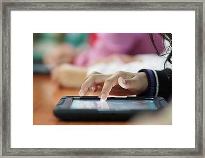 Tabletas Digitales Framed Print