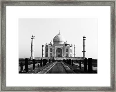 Taj Mahal Bw Framed Print