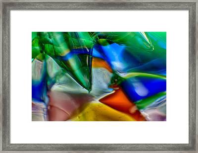 Talons Verde Framed Print by Omaste Witkowski