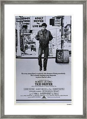 Taxi Driver, Robert De Niro, 1976 Framed Print by Everett