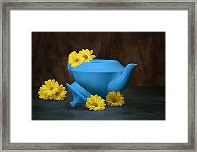 Tea Kettle With Daisies Still Life Framed Print by Tom Mc Nemar