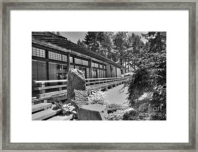 Tea Room At The Japanese Garden Framed Print by David Bearden