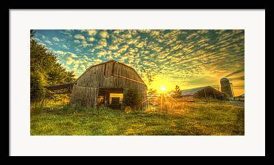 Tennessee Barn Framed Prints
