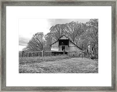 Tennessee Barn Bw Framed Print by Chuck Kuhn