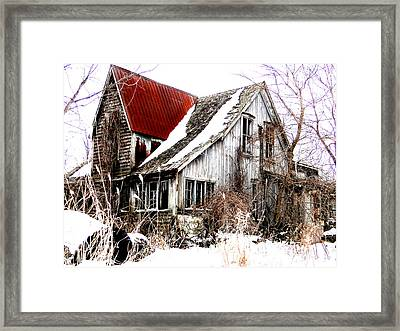 Terrance Laird Farm House Thedford Framed Print by Bruce Ritchie
