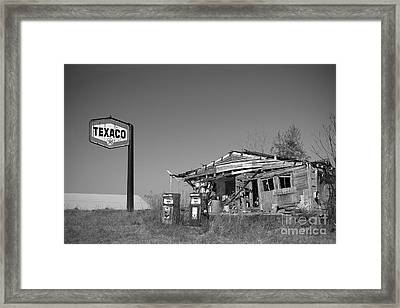 Texaco Country Store In Black And White Framed Print by T Lowry Wilson