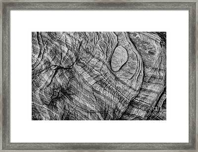Textured Sandstone - Black And White - Valley Of Fire Framed Print