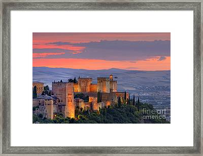 The Alhambra At Sunset Framed Print by Guido Montanes Castillo