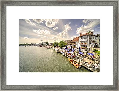 The Angel At Henley  Framed Print by Rob Hawkins